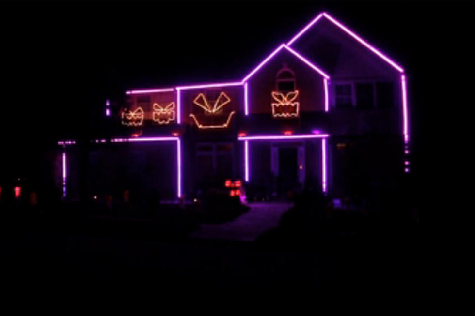 watch the halloween light show to meghan trainors all about that bass video
